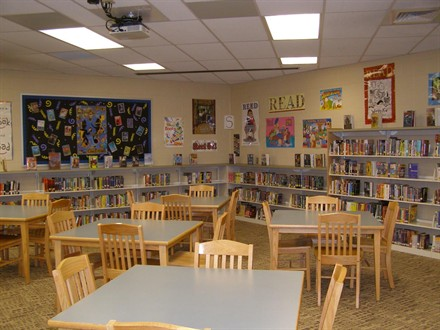 Canal Winchester Middle School Media Center